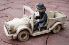 Auto s novomanželi 1
